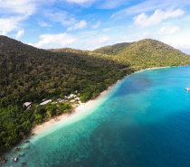 Fitzroy Island is surrounded by a beautiful fringing Reef system that forms part of the Great Barrier Reef Marine Park.