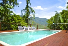 The Rainforest Family Retreat 12km from City