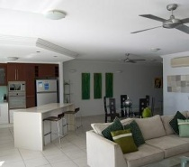 Spacious open plan living/kitchen/dining area