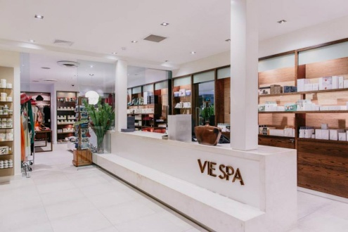 VISIT OUR AWARD-WINNING VIE SPA
