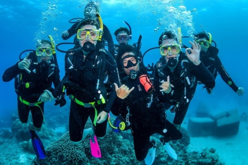 Certified Diving on Evolution Great Barrier Reef Tour