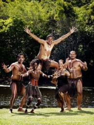 Tjapukai dancers help Gold Coast's 2018 Commonwealth Games bid