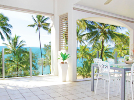 Island Views – Luxury Private Apartments
