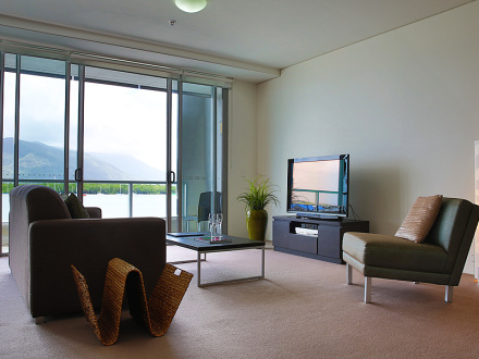 ONE BEDROOM HARBOUR VIEW APARTMENT