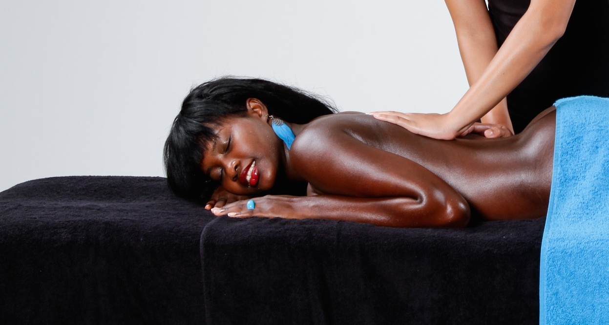 About Oiled Massage Salon